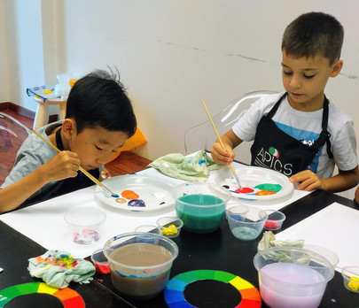 Kids experimenting with art
