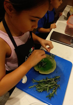 Kids learn to cook