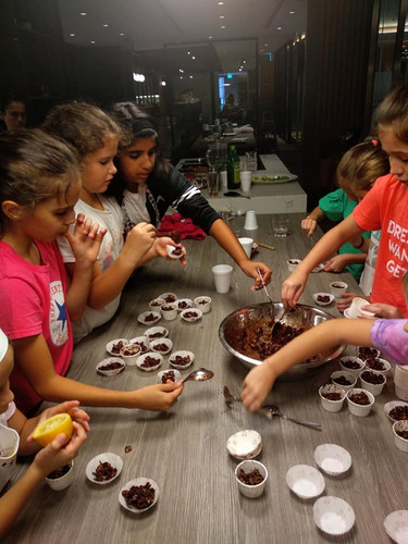 Teamwork kids cooking camp