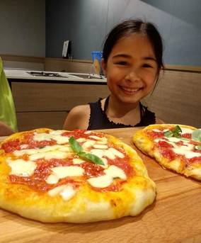 Kids learn fresh pizza