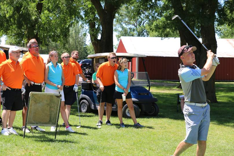 Chris golfing!
