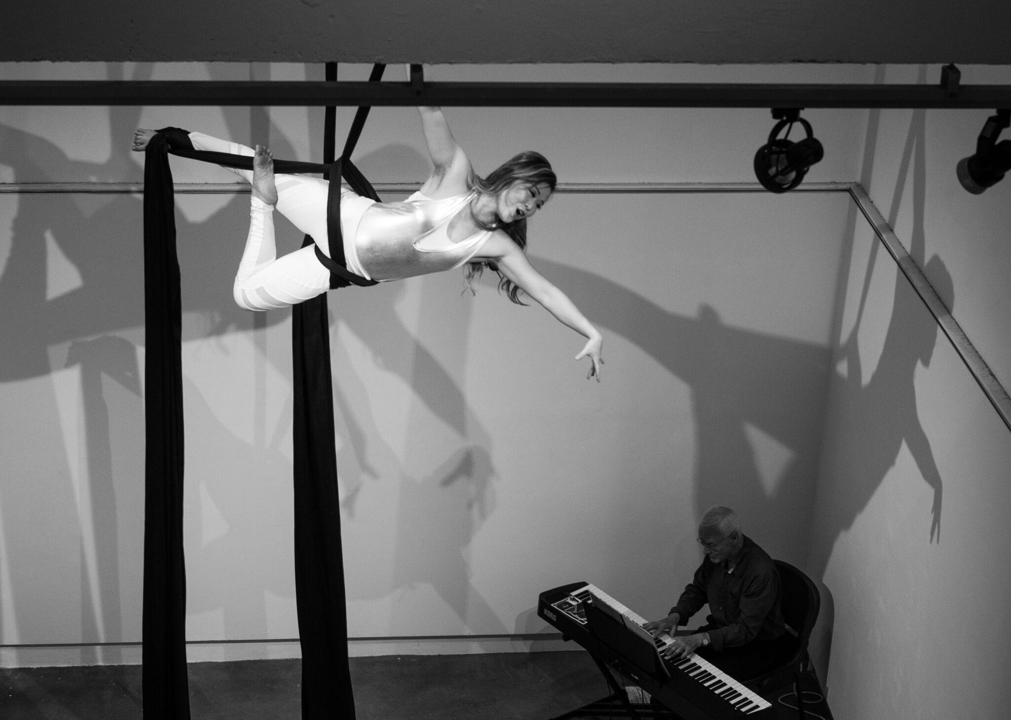 Etta, Marionette variation (Doll)