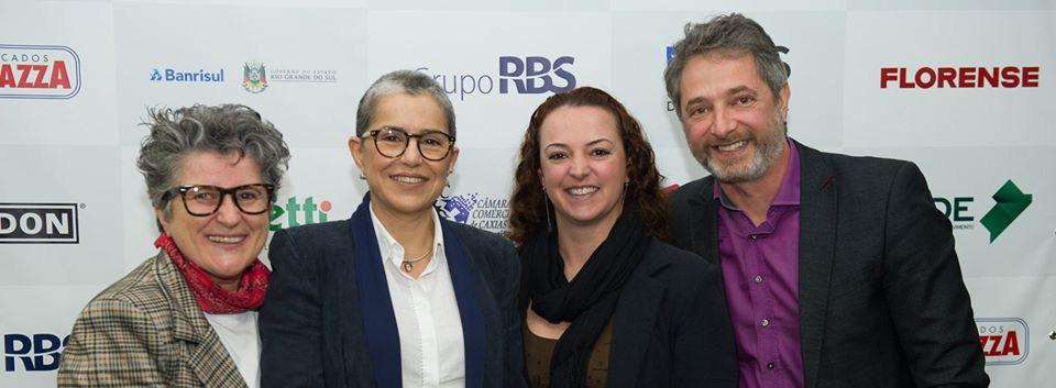 REUNIÃO-ALMOÇO NA CÂMARA  DE INDÚSTRIA, COMÉRCIO E SERVIÇOS (Cecília Pozza, Beatriz Araújo, --- e Volnei Canônica)