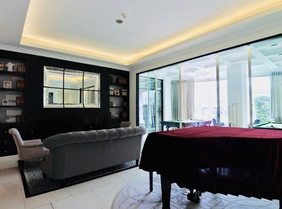 8-bangkok-condo-royce-private-residence-sukhumvit-31-.jpg
