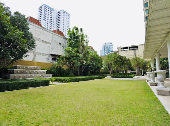 4-bangkok-condo-royce-private-residence-sukhumvit-31-.jpg