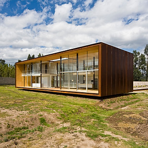 CASA X / X HOUSE