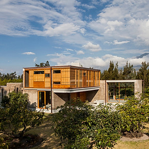CASA COTACACHI / COTACACHI HOUSE