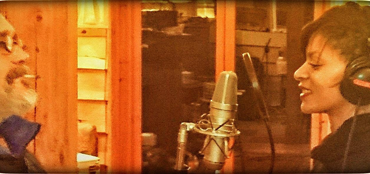straight tone au studio des collines