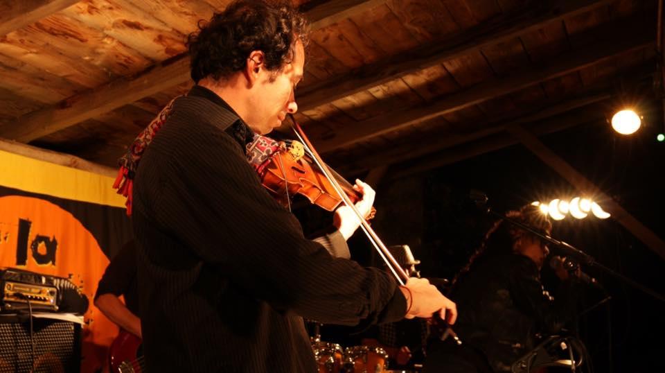 Mike, violon,straight tone
