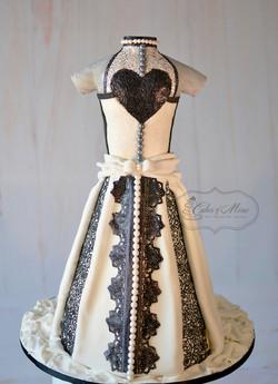 Weddingdress_black_white_lace_17_back_wm_webb