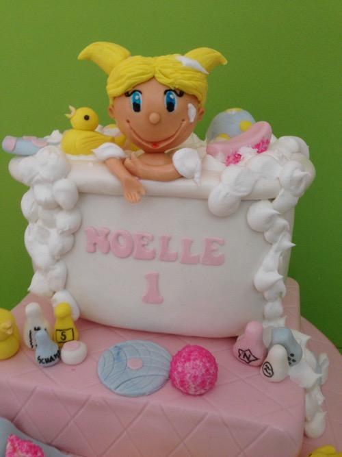 Noelle-tub-1