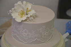 Brushed-Embroidery-Cake