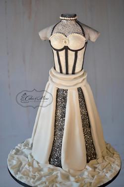 weddingdress_black_white_lace_17_front-wm_webb