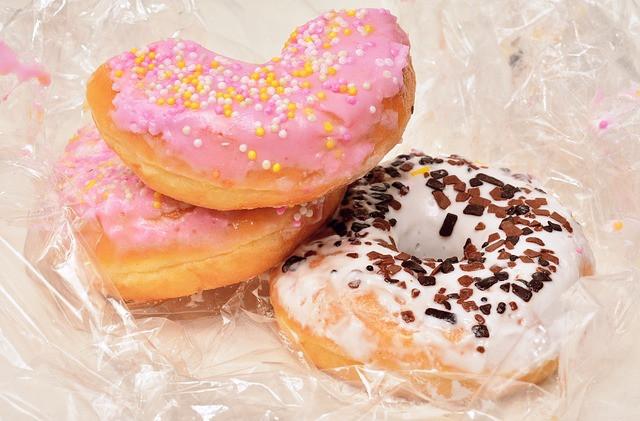 Sydämen muotoiset donitsit