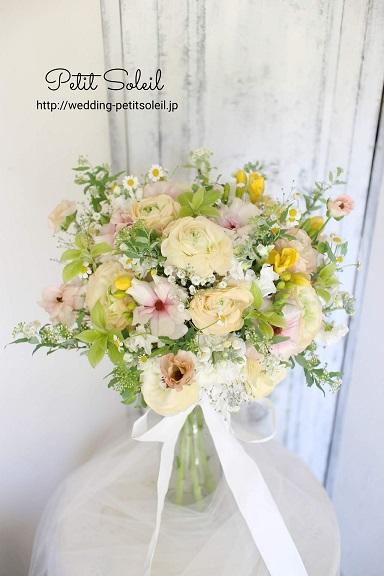 ラナンキュラスと春の花ブーケ