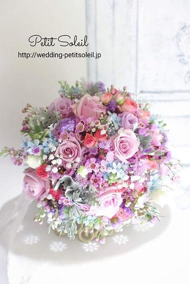 バラと小花のクラッチブーケ