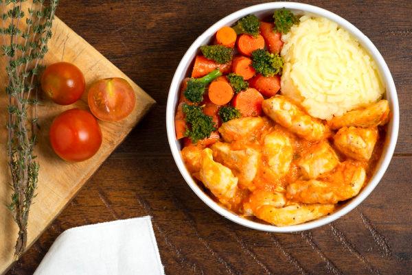 Pollo a los tomates.jpg