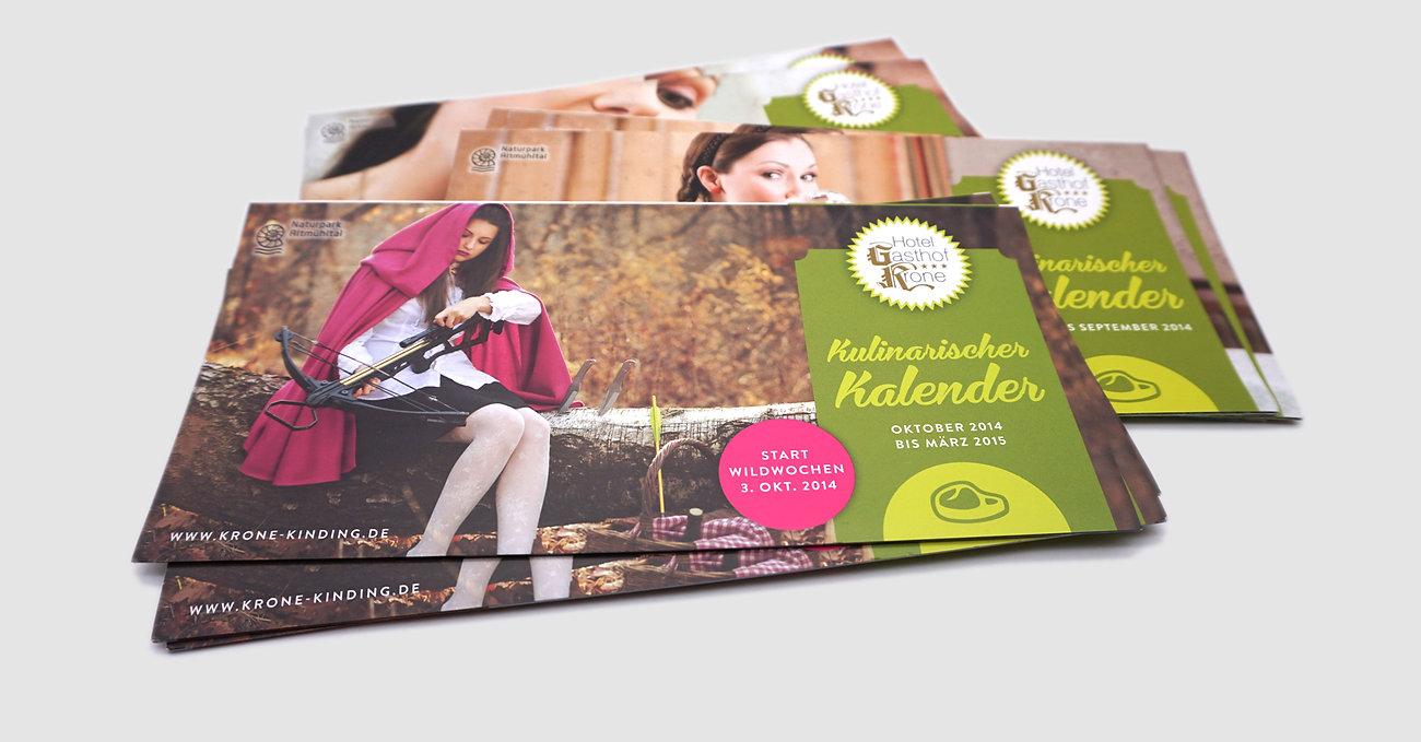 Veranstaltungskalender, Flyer, Folder, Branding Gasthof Krone Kinding, Designstudio Lohrer, Grafikdesign, Webdesign, Werbung, Werbeagentur, Nürnberg, Fürth, Corporate Design, Branding, Markenentwicklung, Markenstrategie, Logodesign, Verpackungsdesign, Geschäftsausstattung, Flyer, Plakate, Anzeigen, Design für Print und digitale Medien