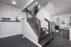 8-Chappelle-Stairs