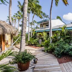 Paradera Park One Bedroom Suite - garden