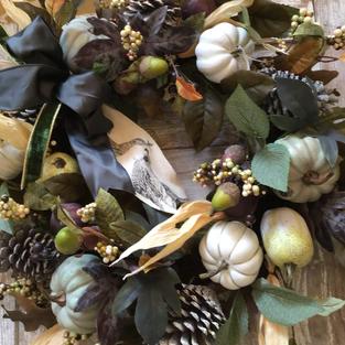 Pumpkins with Partridge Ribbon
