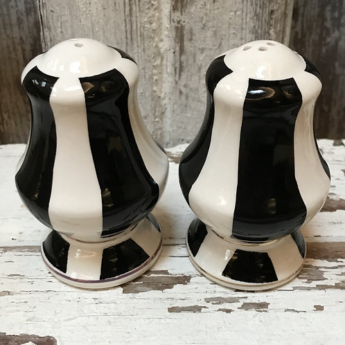 Black and White Salt and Pepper Shakers