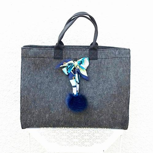 Feutre scarf - pompon bleu