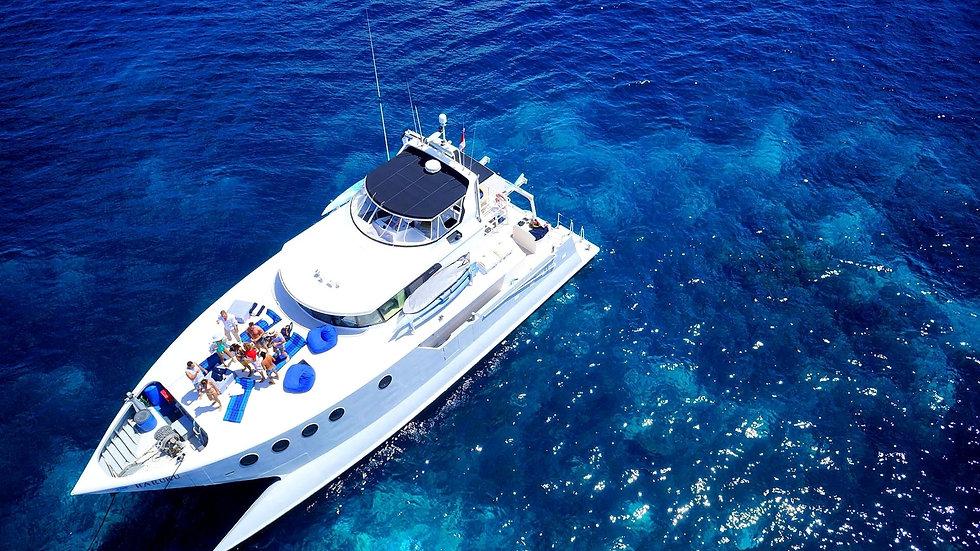 Bali - Yacht Charter to Nusa Penida Isla