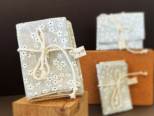 Pochette à savon, en coton enduit et éponge