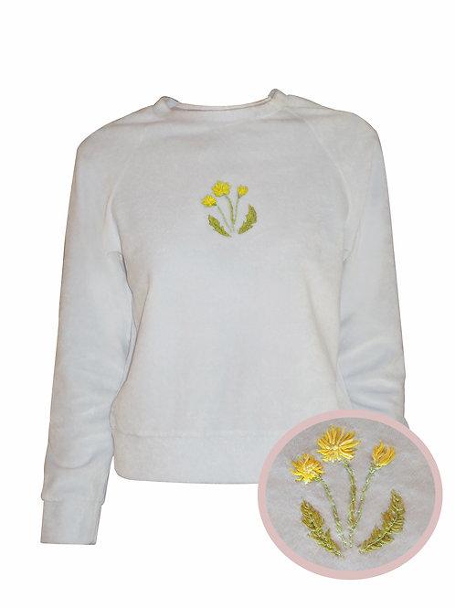Свитшот бархатный с вышивкой Цветы