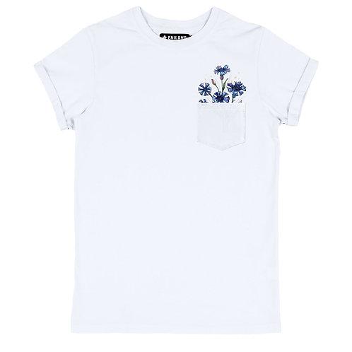 Белая женская футболка с изображением Васильки в кармане