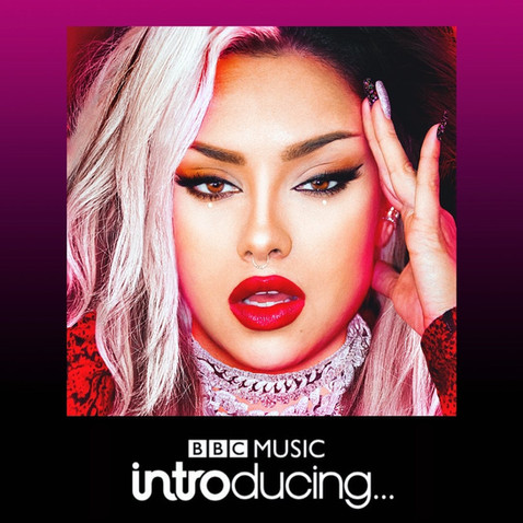 """2 OUT OF 2: BELLSAVVY OPENS BBC INTRODUCING IN THE WEST SHOW WITH HER NEW SINGLE """"IN MY ZONE"""""""