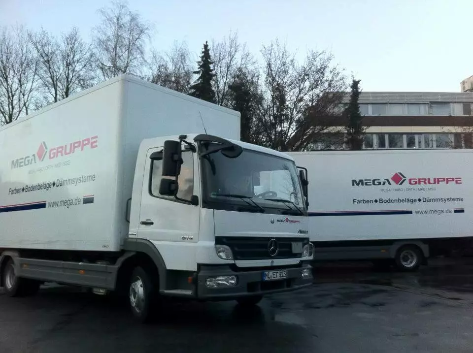 Mega-Fahrzeugbeschriftung-Bielefeld-Lueb