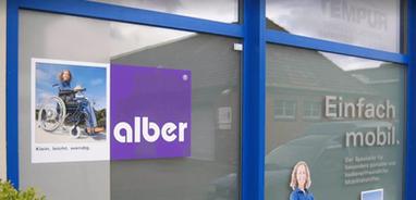 Schaufensterbeschriftung-Alber-Personal-Luebbe