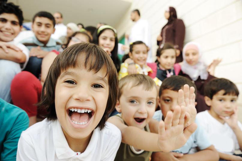 crowd-of-children_BFwdmj6Ho.jpg