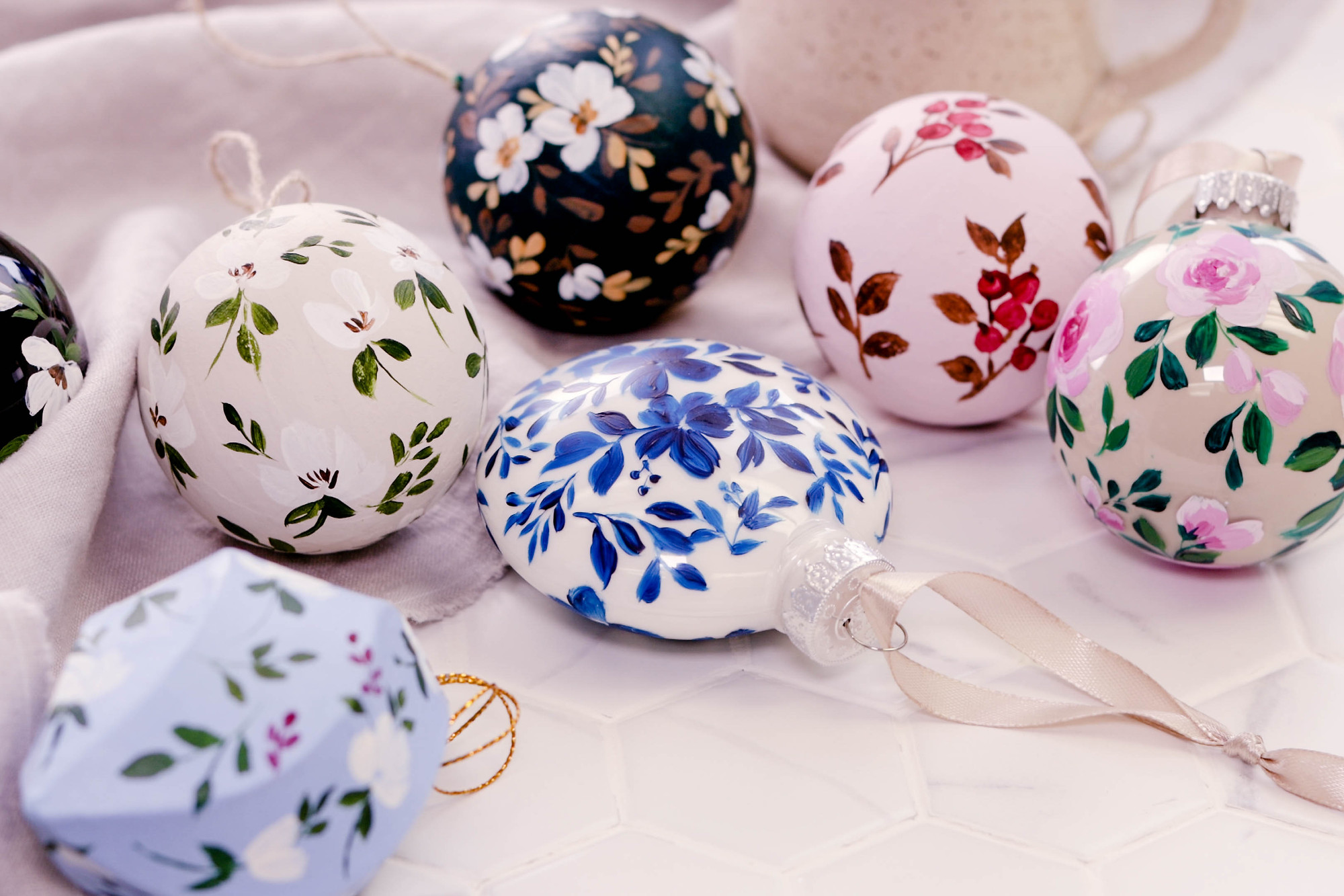 Diy Hand Painted Christmas Tree Ornaments