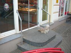draußen warten_2007