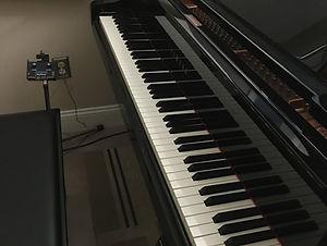 Acustic Grand Piano