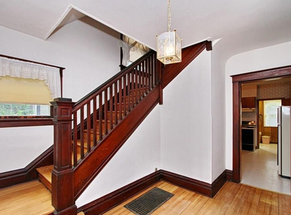entryway - before