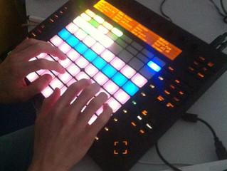 Cursus elektronisch muziek en nieuwe media in het Papagenohuis in Laren