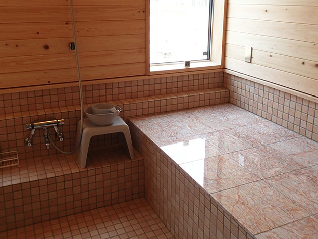岩盤浴付きのバスルーム