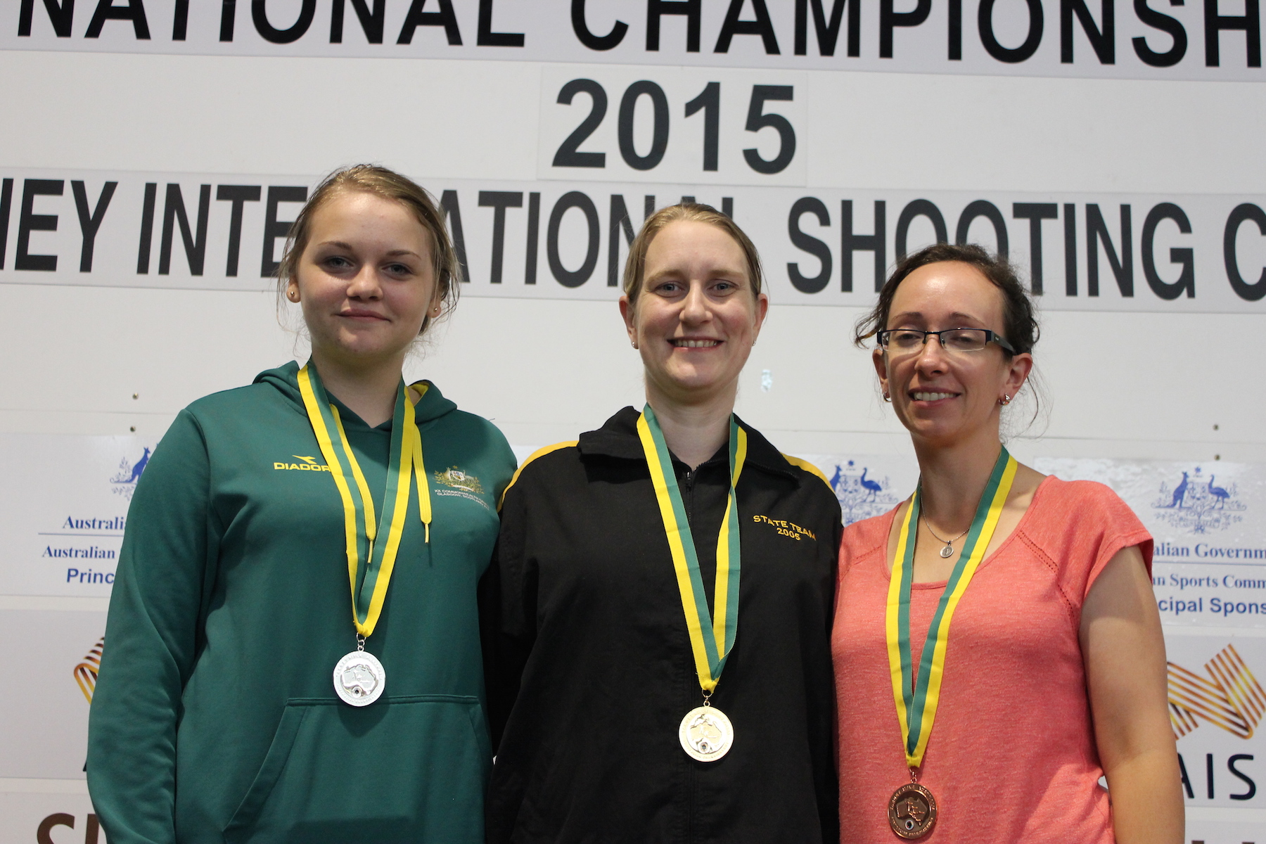 Air Rifle Women Huddle