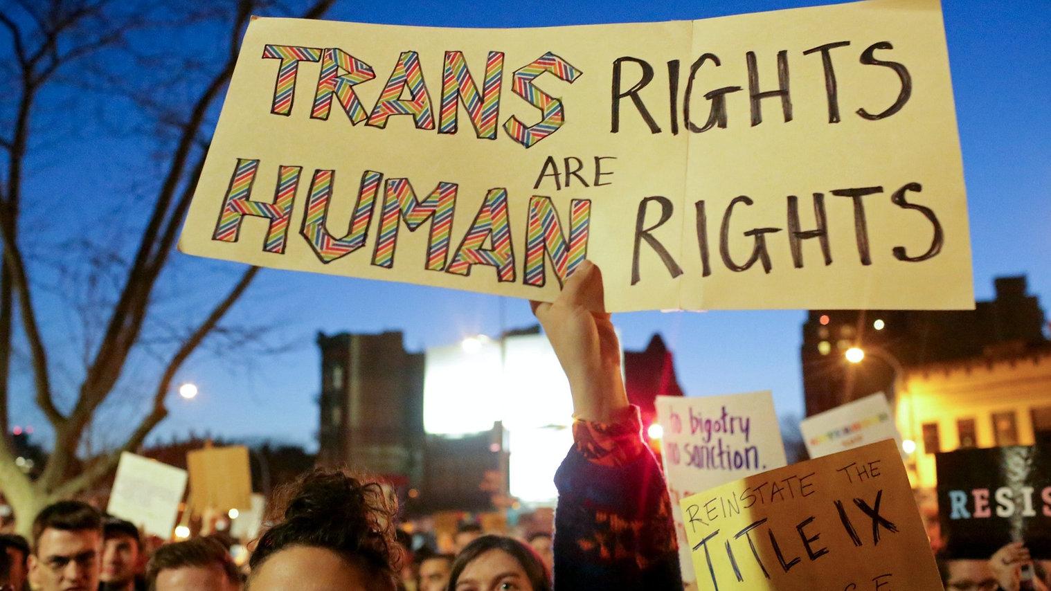 20181113-paskova-ny-transgender-3000_edi