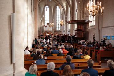 23 website volle kerk - Foto Martijn Beu