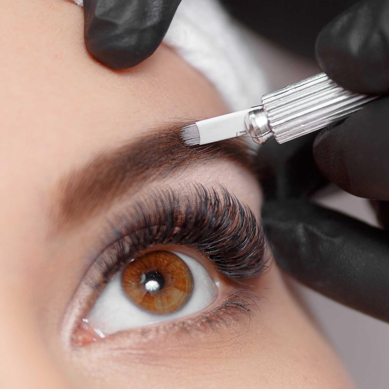 3D Eyebrow Microblading Session