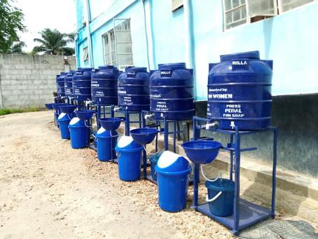 UN Women spenden 7 Handwaschstationen