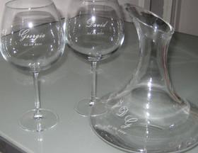 Detalle copas borgoña y decanter