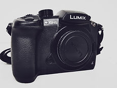 PANASONIC GH5 BODY1.jpg