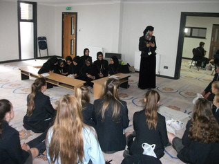 Year 8 at Range High Visit the Quwwatuislam Mosque