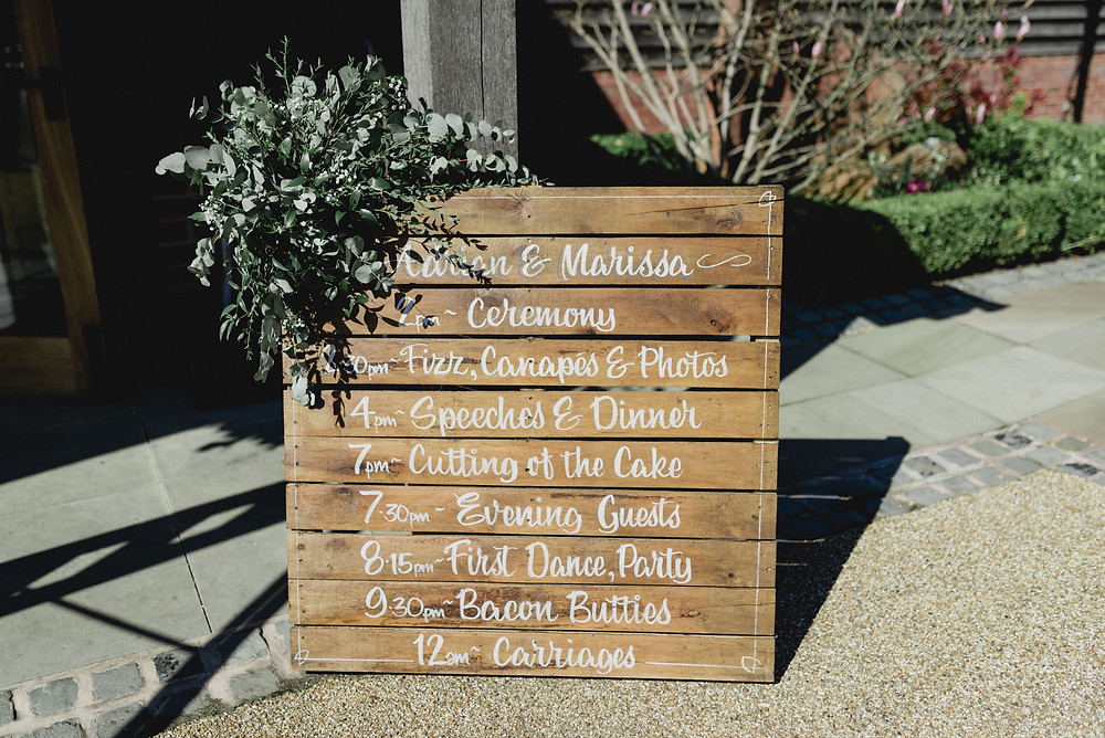 barn wooden wedding plan